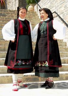 Η Γυναικεία φορεσία της Ροδαυγής