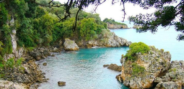 Παραλία Καραβοστάσι