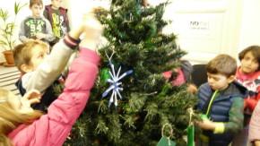 Στολισμός δέντρου στο δημαρχείο Δεκ 2015 (1)