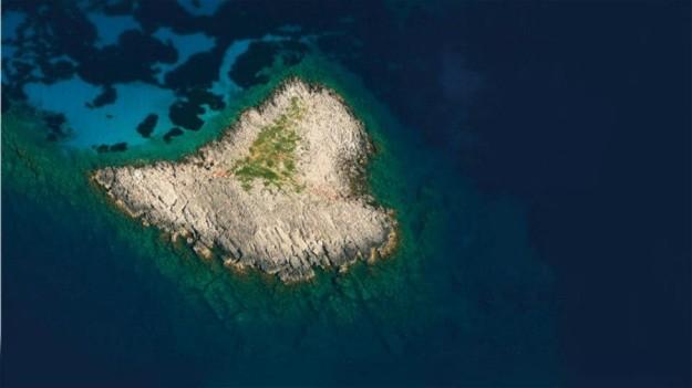 Νησάκι καρδιά Μεθώνη
